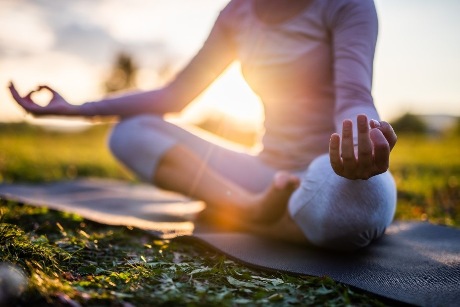 5 Ways to Reduce Stress at Work on livewell1440.com